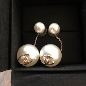 Chanel pearl earrings , brand new.